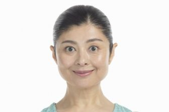 【-10歳顔を目指す10秒顔筋トレ】顔のむくみを解消する即効ストレッチのやり方