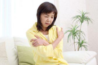 """体が冷えると老ける!""""冷え老け""""を防ぐ生活習慣、食べ物、簡単ストレッチ"""