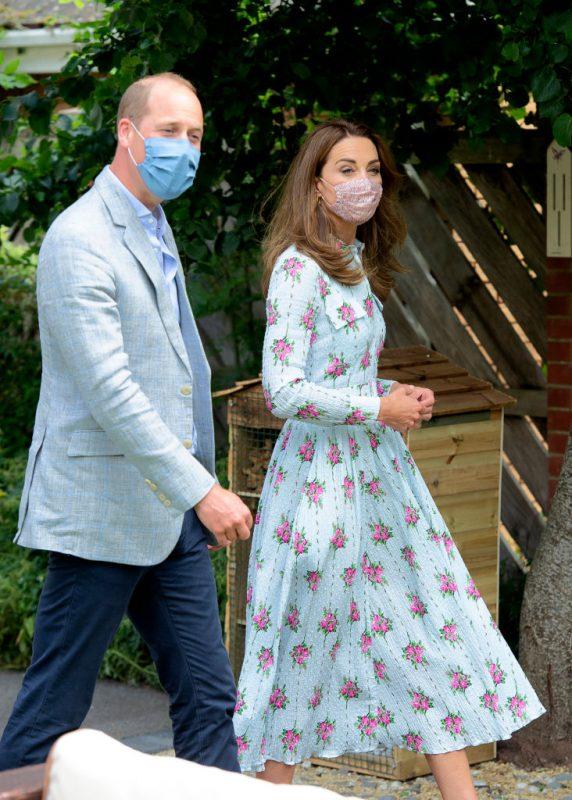 夫・ウィリアム王子とともに、ウェールズ最大の都市カーディフにあるケアホームを訪問するキャサリン妃