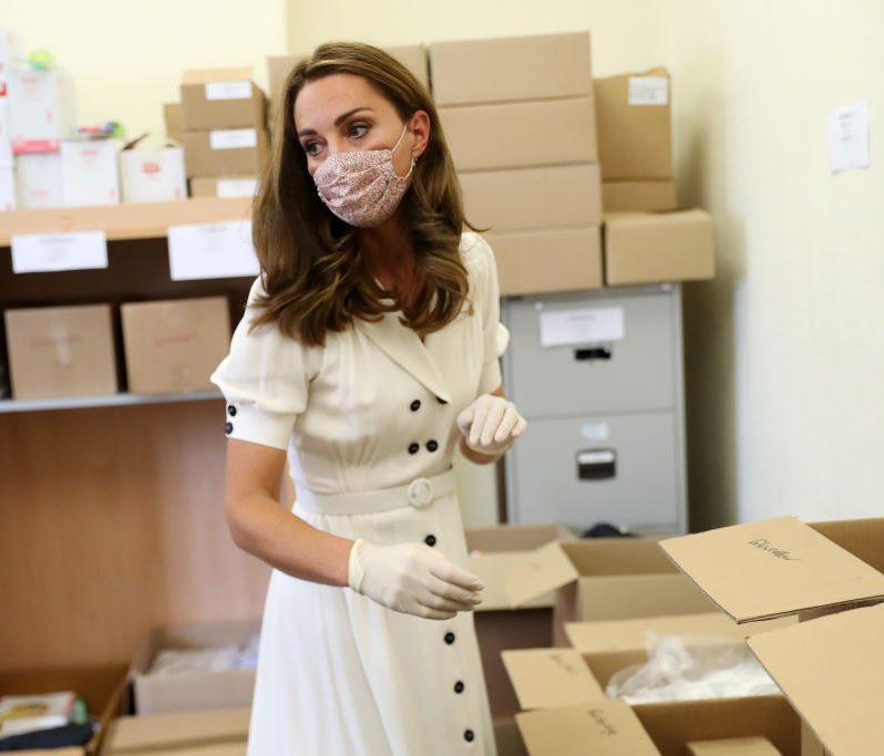 8月4日(現地時間)、イングランド中部の都市・シェイフィールドに拠点を持つ子育て支援組織を訪問したときのキャサリン妃