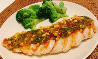 サラダチキンに飽きた人にも!ボリューム満点主食級の「よだれ鶏」【JUNの#コンビニオンリー糖質…