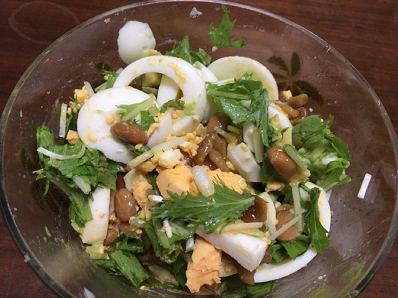 ゆで卵を使ったサラダ