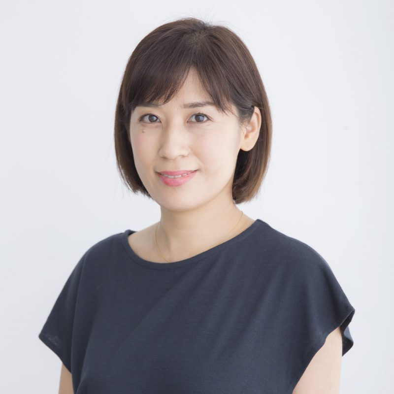 ヘアメイクアップアーティストの清水理江さん