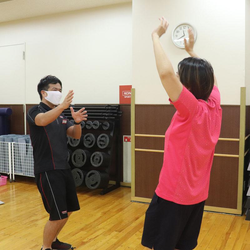コナミスポーツクラブのインストラクター横田昌佳さんとライターM