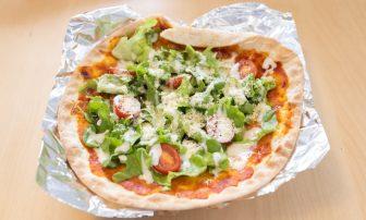 インスタント食品にちょい足しのヘルシーレシピ3選|トマト、アボカドで不足しがちな野菜をカバー!