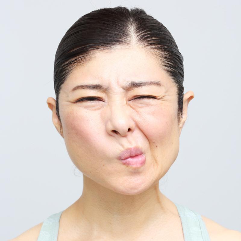 【NG】表情が崩れてしまうのは無理して動かしている証拠