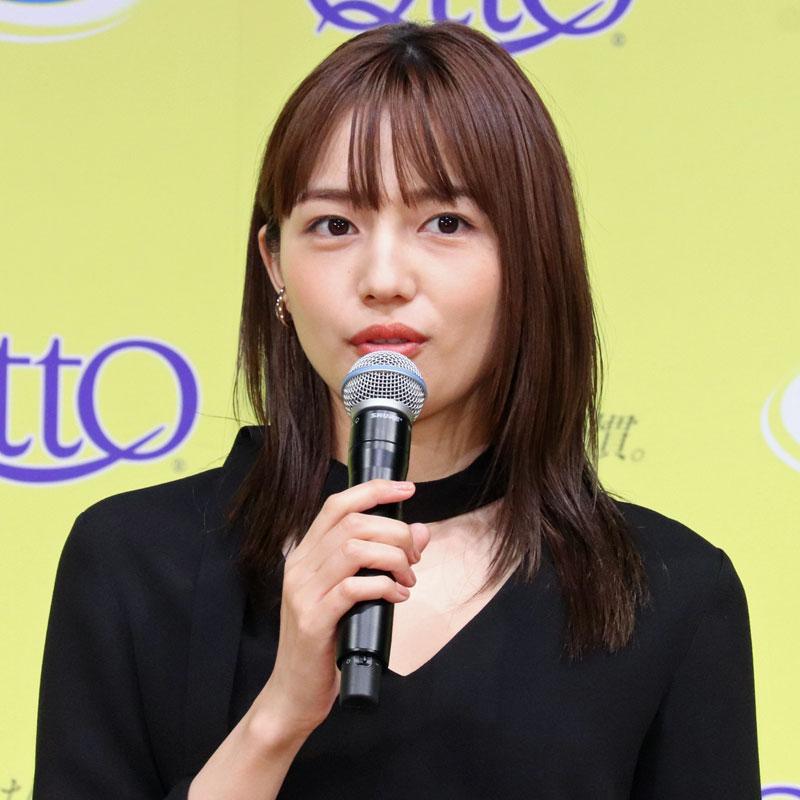 「メディキュット ブランドリニューアル&新商品 記者発表会」に登壇した川口春奈