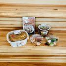 セブン−イレブンのアーモンドフィッシュとこだわり玉子たっぷり!特製親子丼とおつまみ長芋のおかかのせ(だし醤油付き)とたことブロッコリーバジルサラダと10品目具材の和風生姜スープ