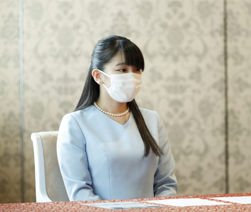 9月16日、東京都中央区の日本橋三越本店で開かれた「第67回日本伝統工芸展」の授賞式に出席された眞子さま