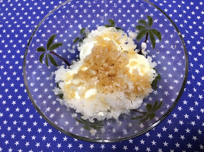 ゆで卵を使ったオバ記者の朝食