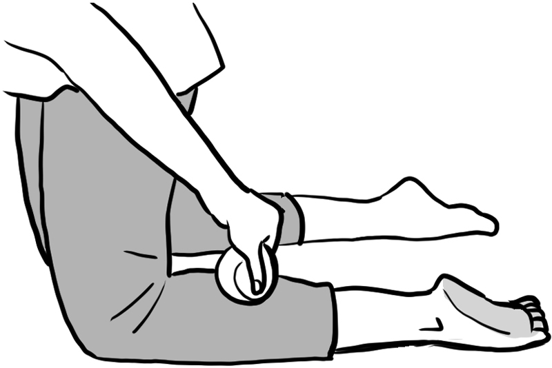 ひざ立ちでボール1個分程度、足首側へずらして置いたイラスト