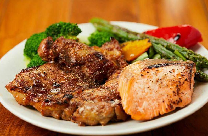 筋肉食堂DELIの「皮なし鶏モモ肉のステーキMIX5食セット」