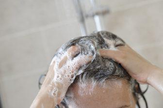 美髪のための正しい洗い方!事前のブラッシングと予洗いで汚れが7割落とせる