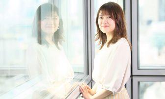 ダイエット成功の尾崎里紗アナ、体型キープの秘策は毎朝の体重チェック&鏡前でのボディ確認【美…