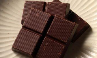 食後に高カカオチョコを食べる理由とは?動脈硬化、認知症予防など健康効果を研究者が語る