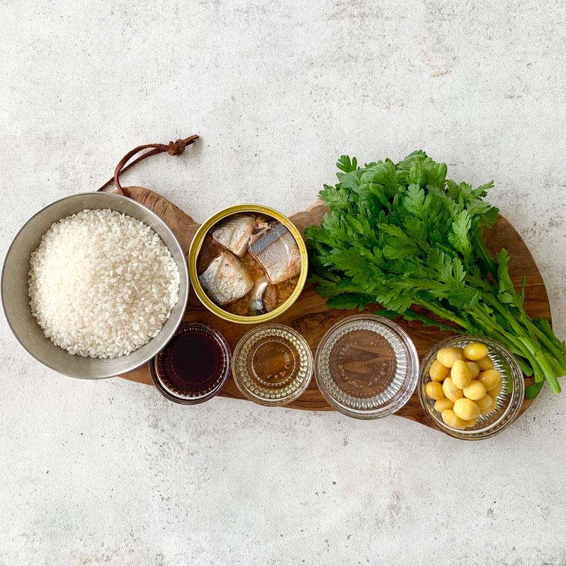 さんまと春菊の炊き込みご飯の材料