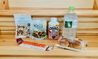 【美のプロが愛するコンビニ飯】たんぱく質・糖質・脂質を意識して選んだサラダやパンなど6品