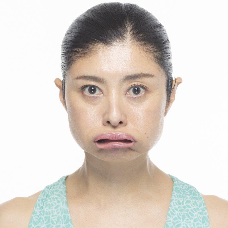 コアフェイストレーニング「ぷるるん唇」