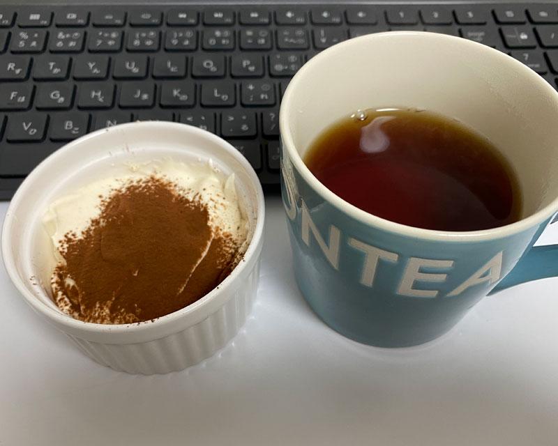 低糖質ティラミスと紅茶