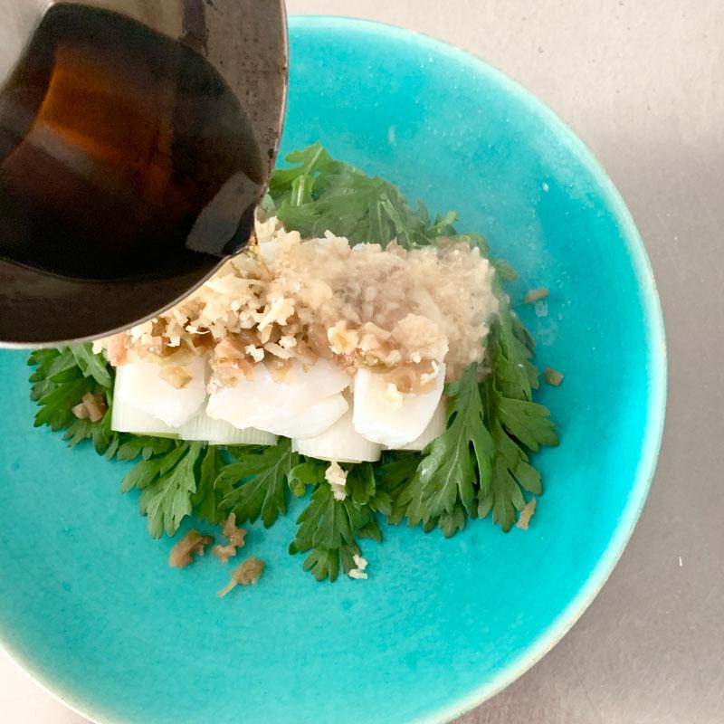 市橋有里がレシピ考案した「鱈と春菊のしょうがポン酢蒸し」