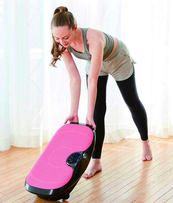 3Dスーパーブレードスマートを運んでいる女性