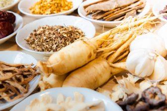 イライラして食べすぎてしまう…「柴胡加竜骨牡蛎湯」でストレス太りを解消【漢方でカラダケア】
