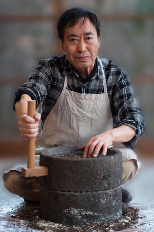 そば研究家 片山虎之介さんの顔写真