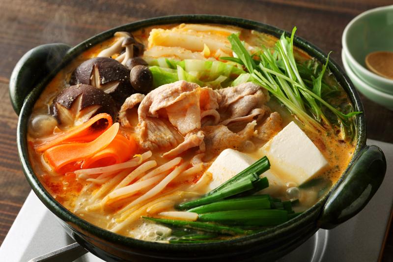 石川県『担々ごまとり野菜みそ』を使った調理例。濃厚ピリ辛だから、どんな具材とも相性抜群!