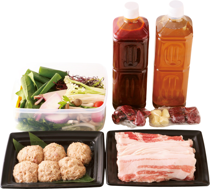 美肌薬膳スープ、旨辛麻辣スープ、加藤ポーク【もも肉、ばら肉、肩肉など】400g、ふわふわ肉団子6粒、新鮮野菜10種がセット。