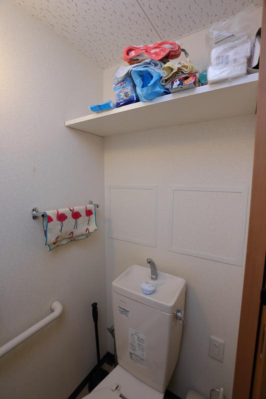 片付ける前のトイレ