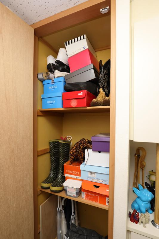 片付ける前の靴箱