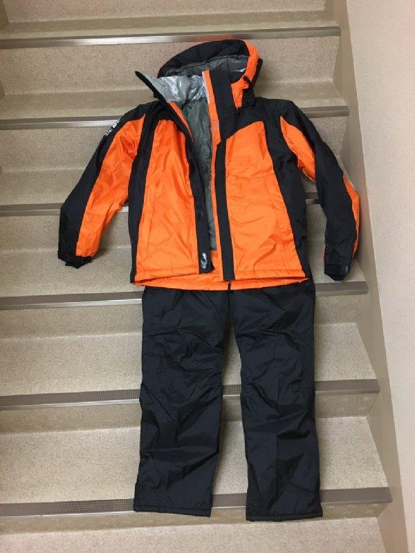 ワークマンのイージス透湿防水防寒スーツ