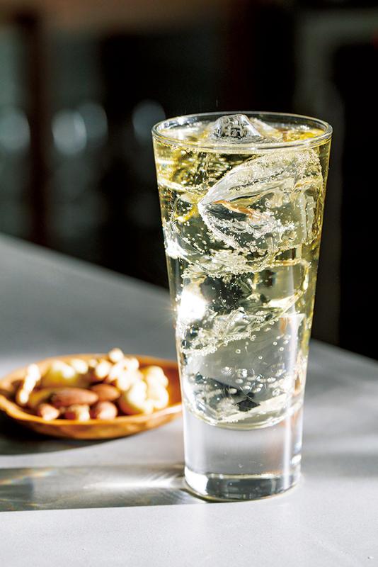 トリスクラシック×サントリーレモン炭酸水