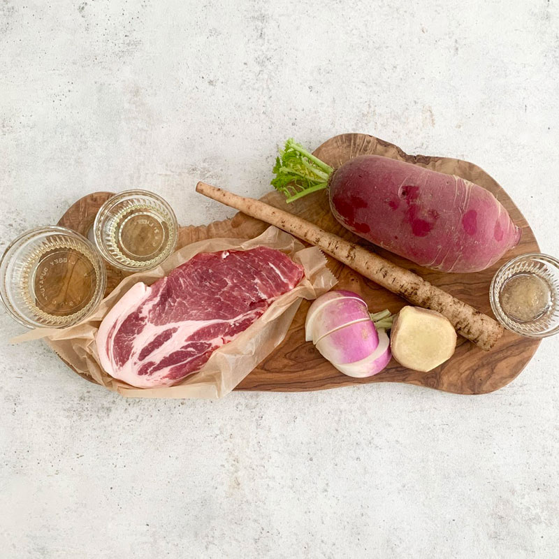 市橋有里がレシピ考案した「ポークソテー 根菜のハニージンジャー添え」材料
