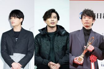 新田真剣佑&鈴木伸之は黒、森山未來&真田ナオキはネイビー。男前なシンプルカラーコーデ