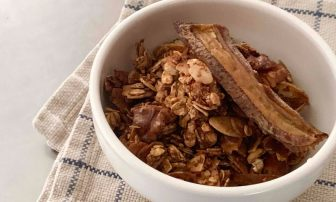 作り置きして朝食に!おいしく美と免疫力をサポート「ベイクドバナナグラノーラ」【市橋有里の美…