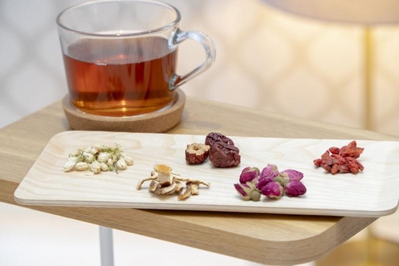 5種の生薬や花とお茶