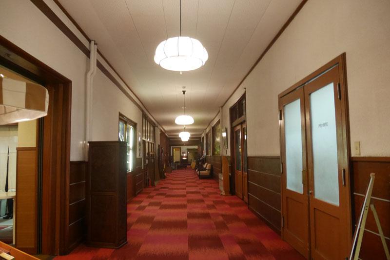 「万平ホテル」廊下