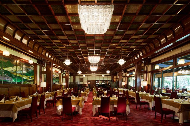 「万平ホテル」メインダイニング