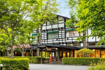 東京から1時間で癒しの地へ。軽井沢のクラシックホテル「万平ホテル」で堪能する大人の休日