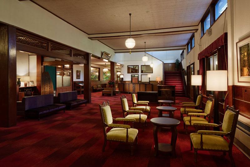 「万平ホテル」ロビー