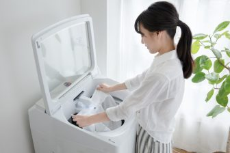 手間を劇的に減らす全自動洗濯機。ボタン1つで部分洗い、14kgまとめ洗いも【スマート家電レビュー】
