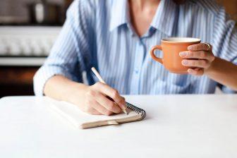 こき使ってくる夫への対抗策|1日の「家事の時間割表」を作って渡すべし【コロナ禍の夫のトリセツ】
