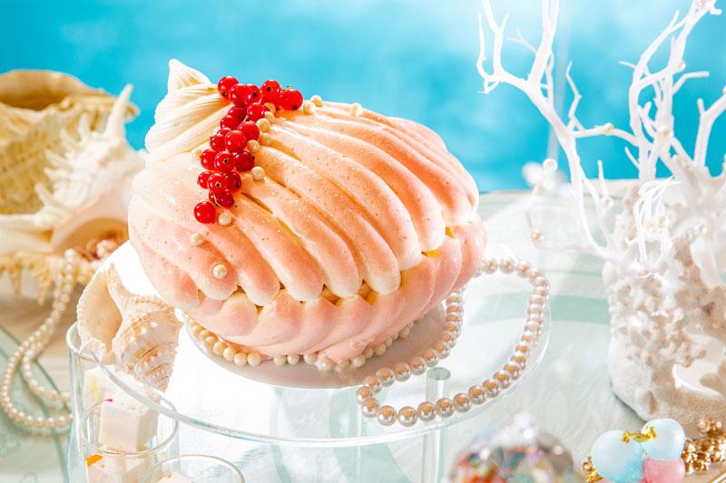 ヒルトン東京の夏のスイーツ・パーティー「クリスタル・マーメイドinホワイトラグーン」「ロージーシェルの宝物」