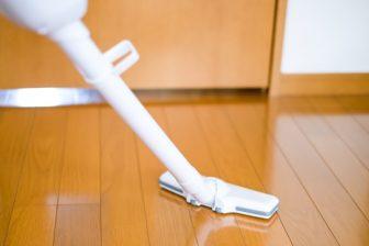 得する掃除機テク|「強」はカーペット限定に、ロボット掃除機なら電気代4分の1