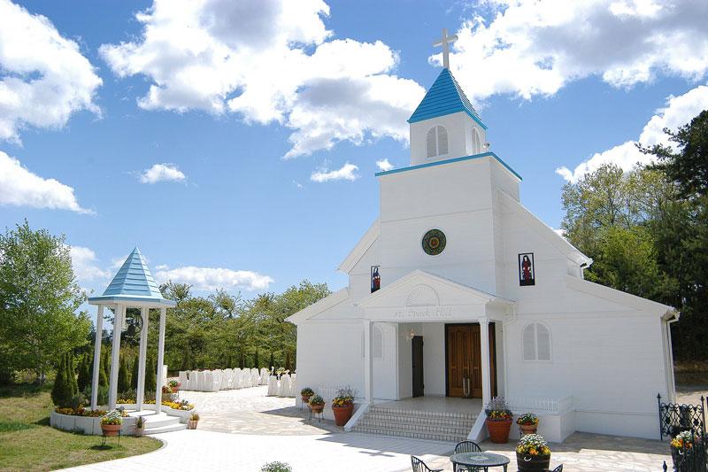 「スパリゾートハワイアンズ」の『聖スパークヒル教会』
