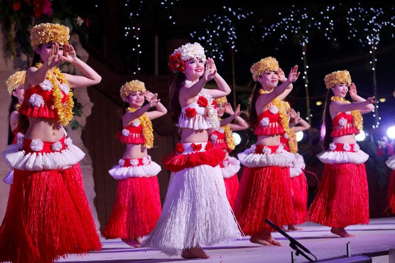 「スパリゾートハワイアンズ」のパークで開催されるショー