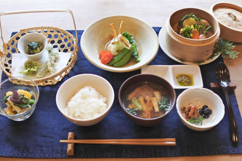 「カミツレの宿 八寿恵荘」の料理