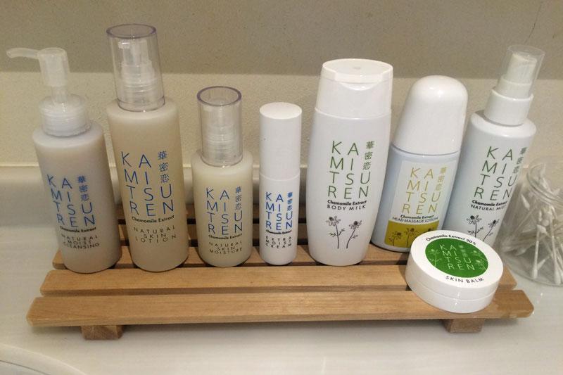 「カミツレの宿 八寿恵荘」で使用されているスキンケア商品