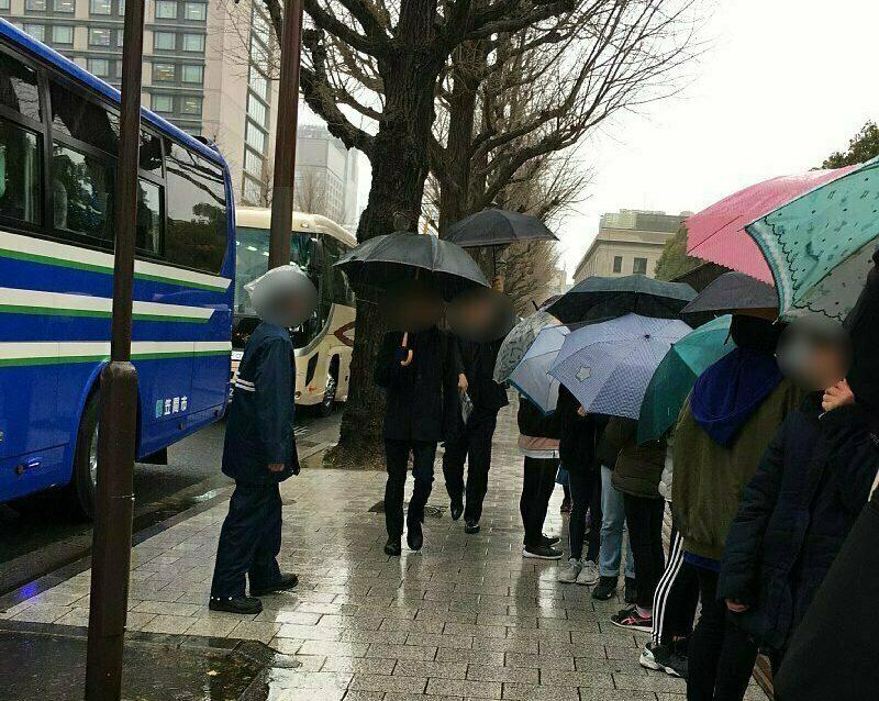 コロナ前は観光バスが列を作っていた